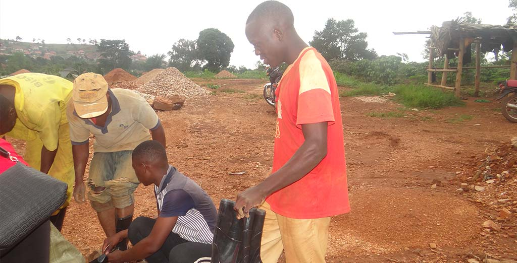 Aemi giving out mining gear